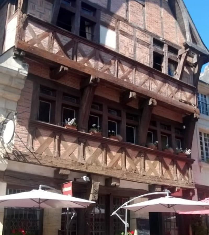 La maison Rouge Chinon (3)