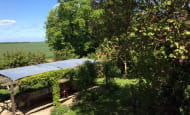chambre-verte-vue-sur-le-jardin